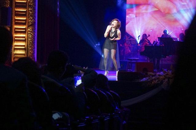 Thanh Lam hát mềm mại, biểu diễn sexy khi hát nhạc Phú Quang - 20