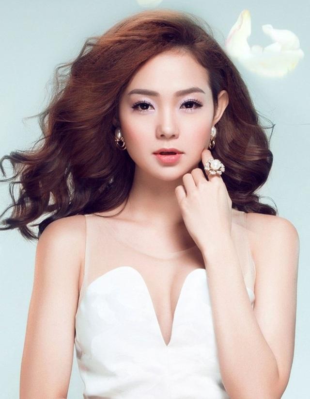 Bé heo Minh Hằng cũng được mời biểu diễn trong đêm nhạc đặc biệt
