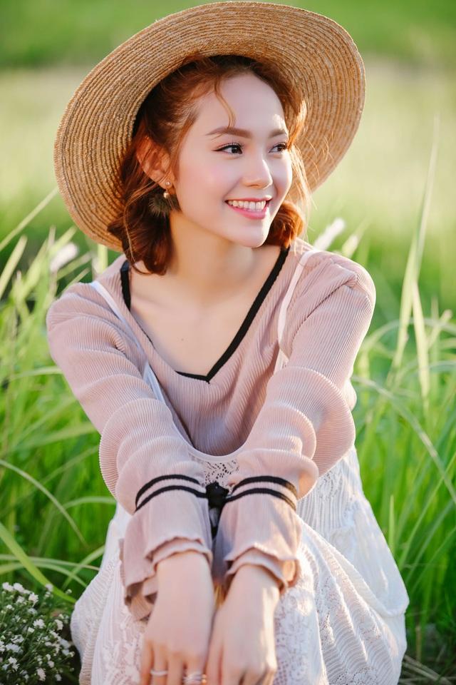 Minh Hằng cho biết cô đang rất hào hứng để làm giám khảo chương trình The Face năm nay, tuy nhiên phải rút lui vì sức ép nào đó khiến BTC khó xử