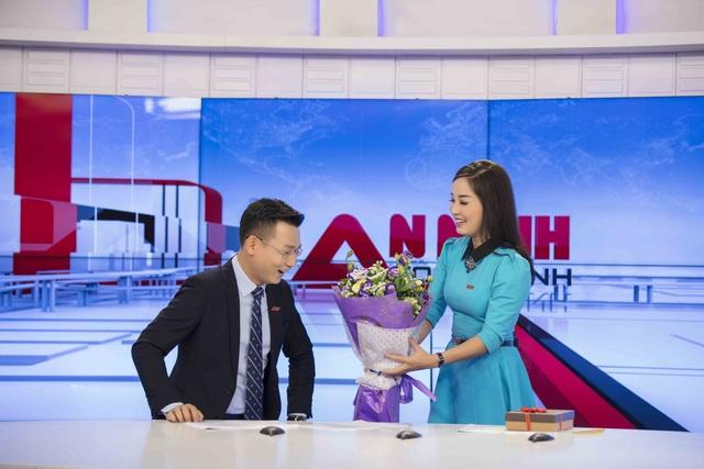 Minh Hương tặng quà Valentine cho cả chồng và bạn trai - 2