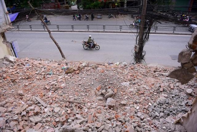 Sau khi giải phóng mặt bằng, đường mới sẽ được làm rộng từ 53,5 - 63,5 m, cùng một đường trên cao.