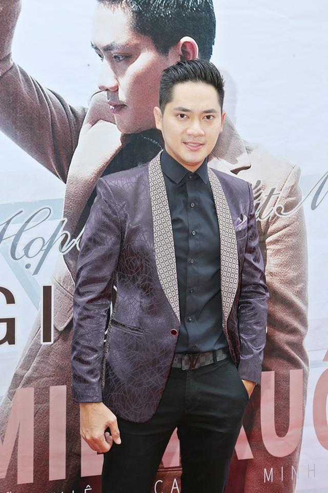 Diễn viên Minh Luân khá bảnh bao, lịch lãm trong buổi ra mắt
