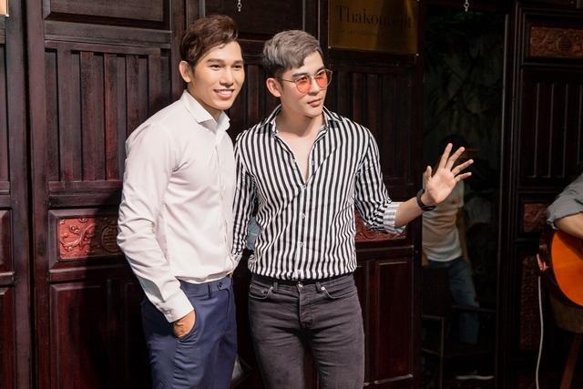 Ngọc Tình với siêu mẫu Minh Trung.