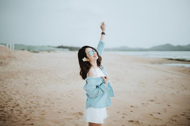 """Ca sĩ Triệu Hoàng: """"Tôi xa showbiz vì nhiều lần nhìn vợ khóc thầm"""" - 9"""