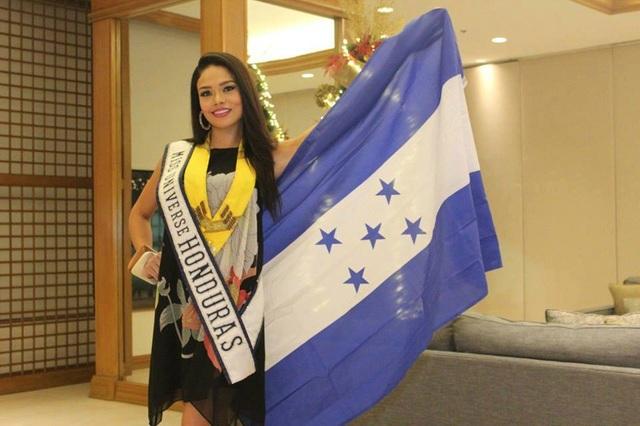 Hoa hậu Honduras đã có mặt tại Malina, Philippines để tham dự các hoạt động của cuộc thi Hoa hậu Hoàn vũ 2016.