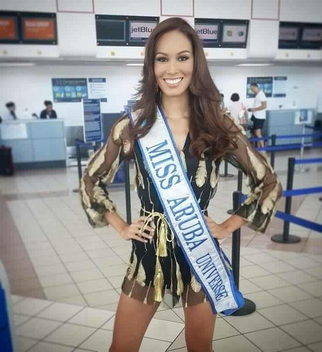 Hoa hậu Aruba - Charlene Leslie Hoa hậu Panama Keity Drenan lên đường sang Philippines tham dự cuộc thi Hoa hậu Hoàn vũ 2016