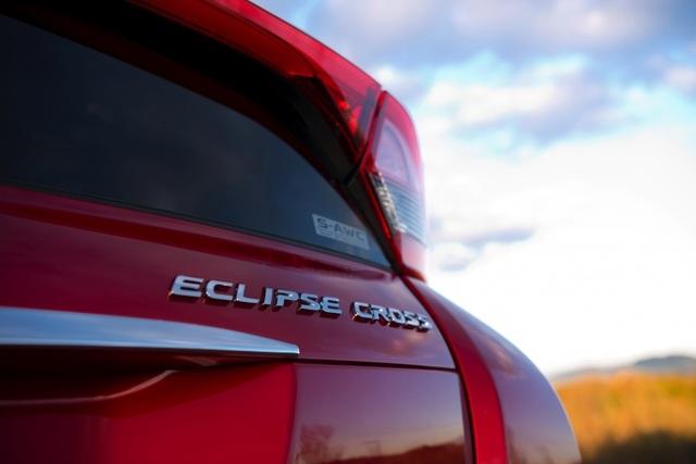 Mitsubishi Eclipse Cross gia nhập phân khúc SUV cỡ nhỏ - 9
