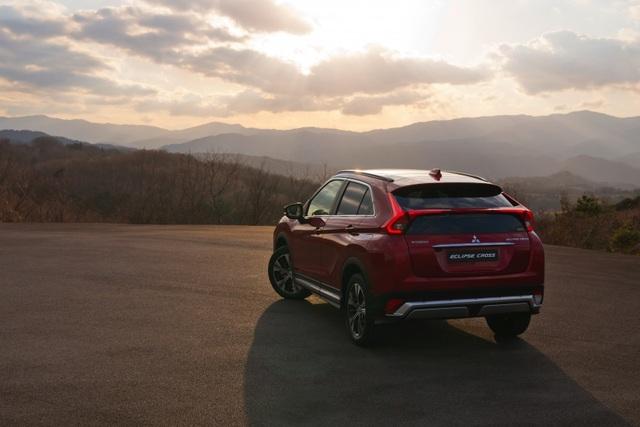Mitsubishi Eclipse Cross gia nhập phân khúc SUV cỡ nhỏ - 10