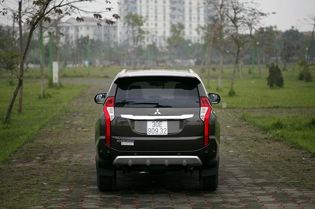 Mẫu SUV bảy chỗ này có thêm hệ thống gài cầu điện tử, hộp số tự động 8 cấp, camera 360 độ...