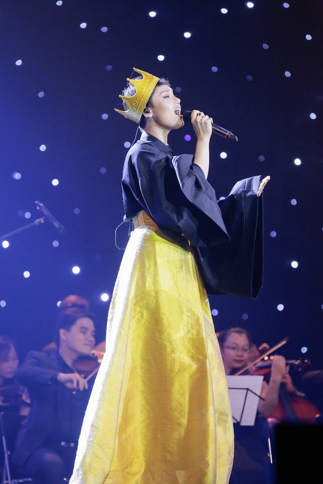 Miu Lê và phần trình diễn không nhận được lời khen của Dương Cầm.