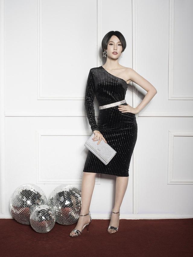 Trong khi đó, Diễm My sở hữu mái tóc ngắn cá tính trong bộ ảnh. Bộ trang phục cùng phụ kiện đã giúp Diễm My trở nên quyền lực, đẳng cấp giống hệt vai diễn Helen trong Cô ba Sài Gòn.