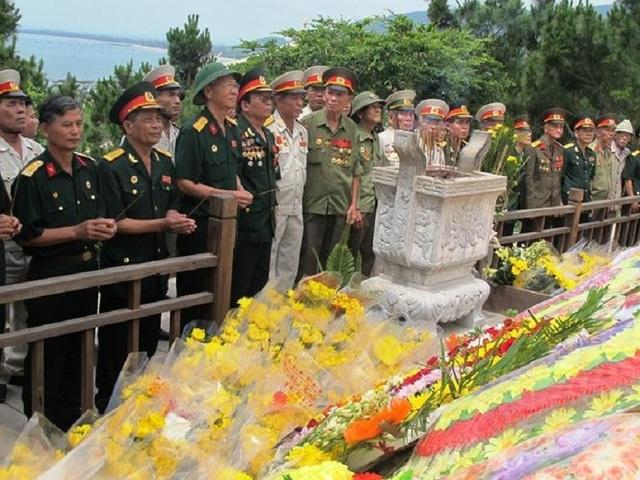 Từ ngày Đại tướng về an nghỉ tại Vũng Chùa - Đảo Yến đến nay, đã có gần 340 ngàn lượt đoàn, với hơn 3,5 triệu lượt khách tới viếng mộ Người