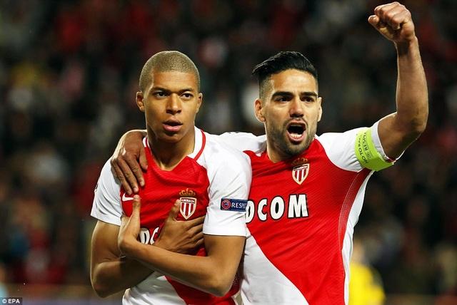 Bộ đôi Mbappe, Falcao lập công mang về chiến thắng cho Monaco