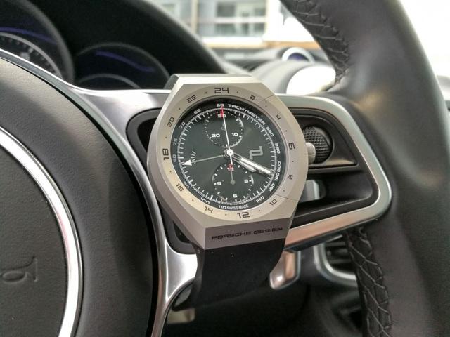 """Đi xe Porsche đeo đồng hồ gì mới """"chất""""? - 4"""