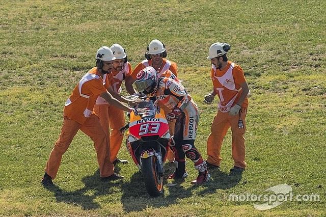 Vinales xuất sắc có pole tại chặng 14 MotoGP 2017 - 5