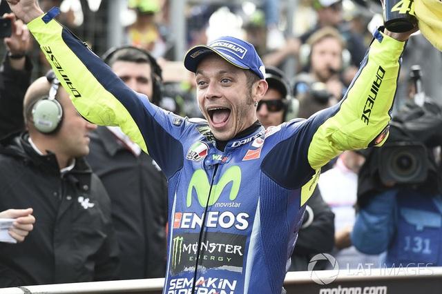 Marquez tiến sát ngôi vương - 9