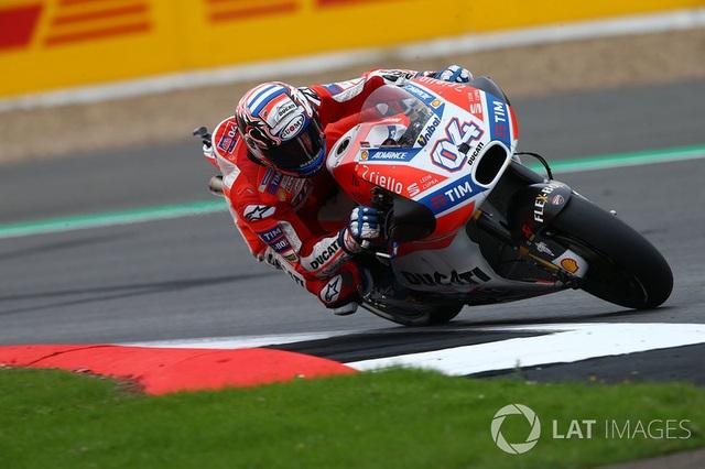 Chặng 12 MotoGP 2017: Dovizioso chiến thắng, Marquez bỏ dở cuộc đua - 2