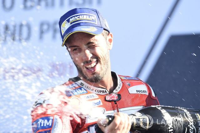 Chặng 12 MotoGP 2017: Dovizioso chiến thắng, Marquez bỏ dở cuộc đua - 5