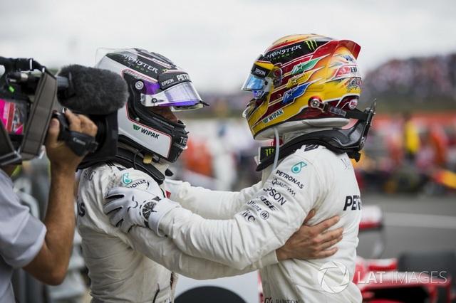 Lewis Hamilton thắng dễ tại Silverstone - 5