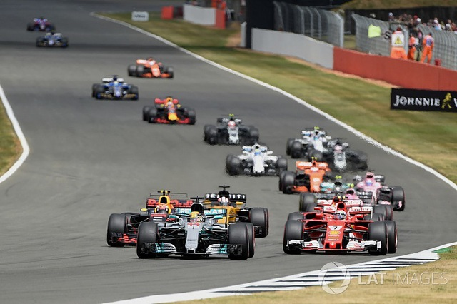 Lewis Hamilton thắng dễ tại Silverstone - 2