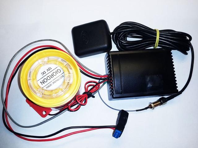 Phần cứng thiết bị có kích thước nhỏ gọn, có thể dễ dàng lắp đặt vào xe.