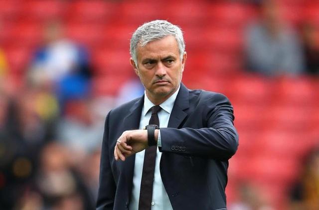 HLV Mourinho khẳng định vô tội về cáo buộc trốn thuế