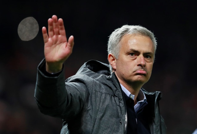 Mourinho mong Crystal Palace đá nương chân với MU
