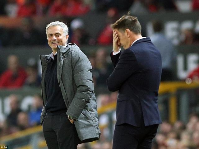 Mourinho và các học trò chỉ còn cách thiên đường đúng 1 bước chân