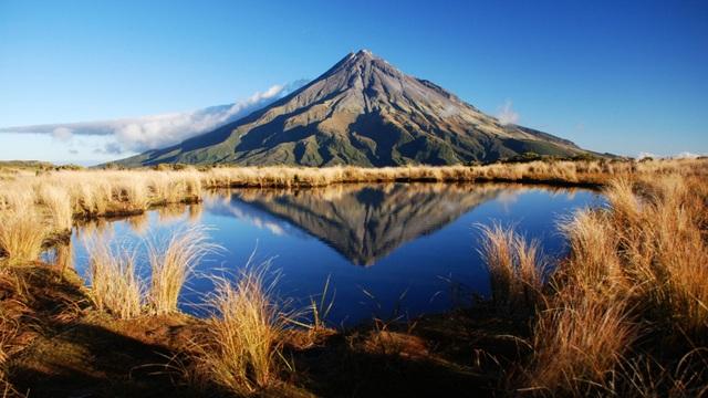 Ngọn núi thiêng 120.000 năm tuổi được trao quyền như con người - 1