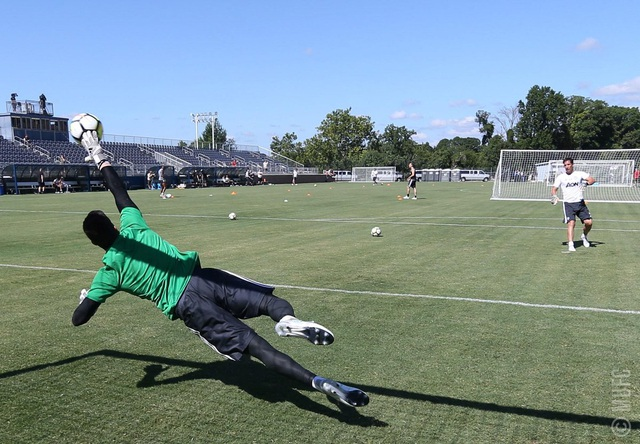Góc tập luyện của các thủ môn. MU mang theo ba thủ thành gồm Perreira, De Gea và Romero tới Mỹ