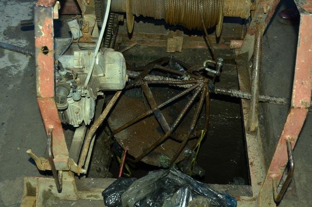 Các đơn vị tiến hành kéo quả cầu để xem có bê tông hay vật cản trong hệ thống cống hay không