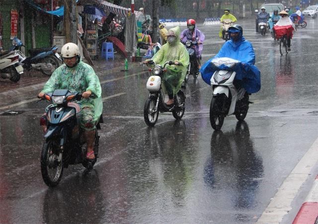 Hà Nội chiều và đêm nay (11/4) xuất hiện mưa giông.