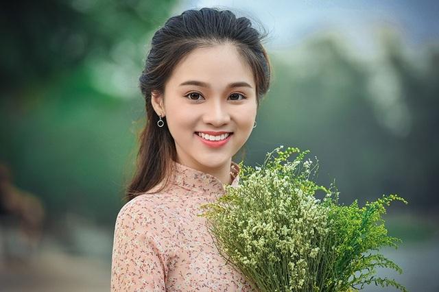 Nụ cười đẹp tuyệt của cô gái Hà Nội