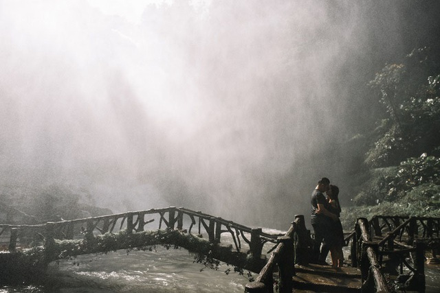Lãng mạn như cặp đôi 9x chụp ảnh cưới dưới cơn mưa - 13
