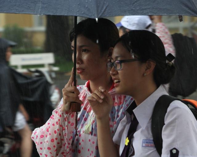 Nhiều tỉnh phía Nam ra công văn khẩn cho học sinh nghỉ học tránh bão - 1