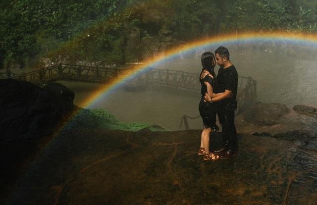 Đến nay, Diệu Linh và Trung Hòa đã bên nhau hơn 6 năm nhưng họ vẫn quan tâm, yêu thương đối phương nồng nàn như thuở ban đầu.