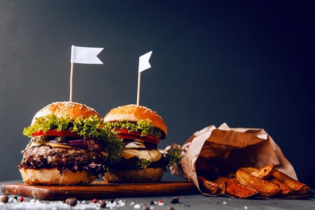 Vì sao ăn mặn dễ tăng cân? - 1