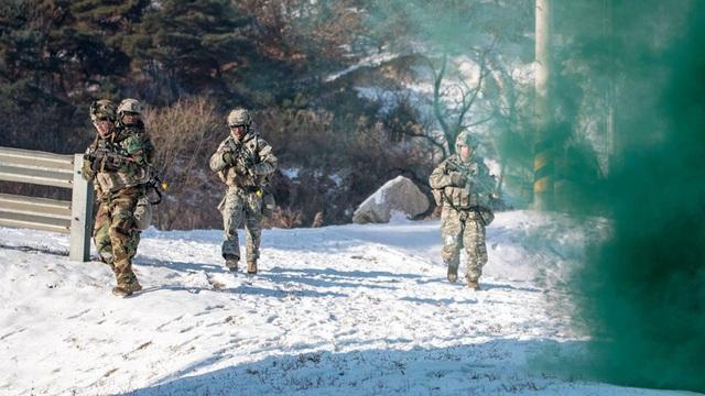 """Thông báo của quân đội Mỹ cho biết cuộc tập trận mang tên """"Cuộc tấn công của chiến binh IX"""" giữa Mỹ và Hàn Quốc đã diễn ra tại Trại Stanley - căn cứ quân sự của Mỹ nằm cách thủ đô Seoul khoảng 20 km."""