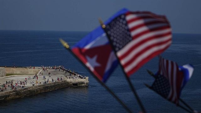 """Chính sách """"chân ướt, chân ráo áp dụng với người nhập cư Cuba được Mỹ chấm dứt sau 2 thập niên. (Ảnh minh họa: NBC)"""