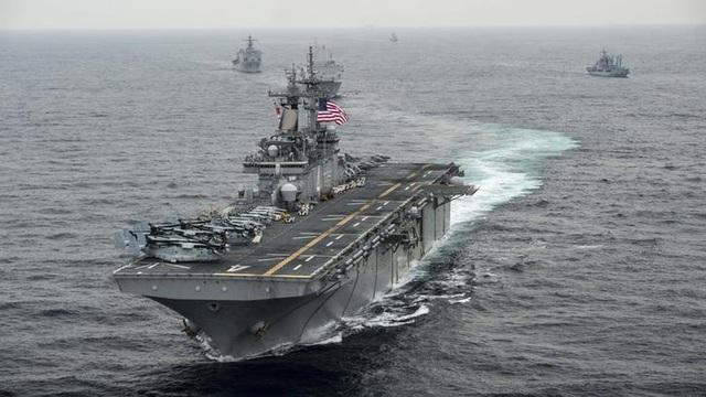 Tàu tấn công đổ bộ USS Boxer của Mỹ (Ảnh: Reuters)