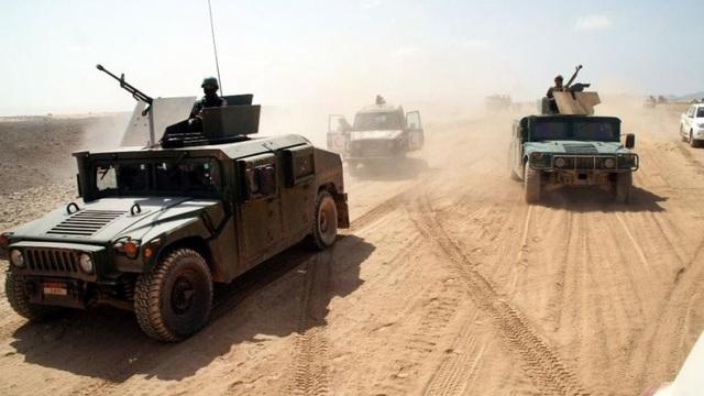 Xe quân sự của quân đội Yemen tại tỉnh Shabwah (Ảnh: Fox)