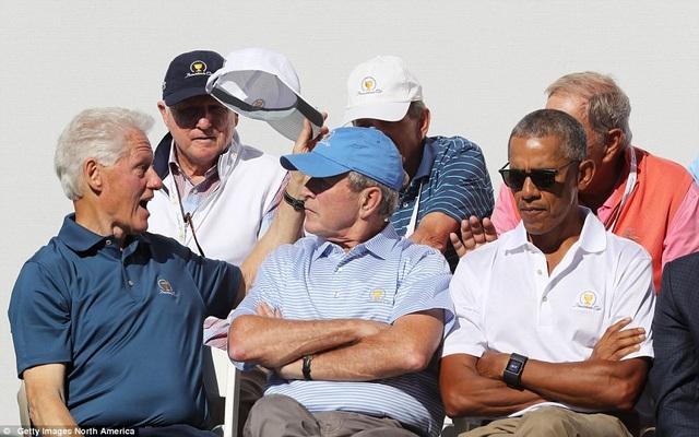 Sự xuất hiện của các cựu lãnh đạo Mỹ đã nhanh chóng thu hút sự chú ý của các khán giả tới dự sự kiện. (Ảnh: Getty)