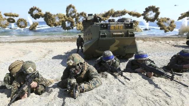 Quân đội Mỹ - Hàn tập trận năm 2016 (Ảnh: Reuters)