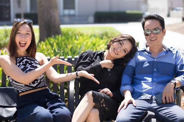 Mỹ Linh cập nhật ảnh bìa trang cá nhân với hình ảnh hạnh phúc ngọt ngào bên chồng và con gái Anna.