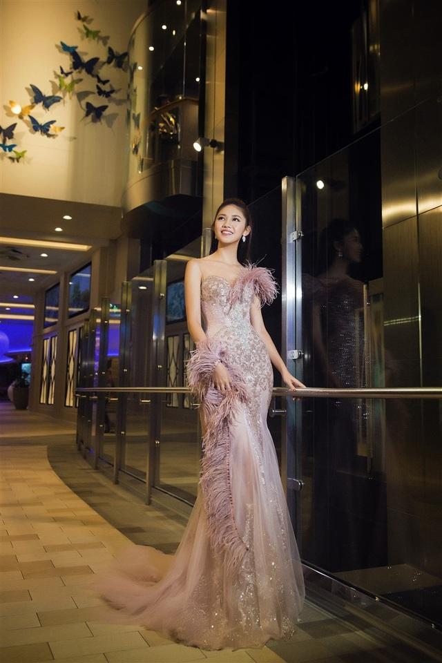Hoa hậu Mỹ Linh, Á hậu Thanh Tú đọ dáng gợi cảm - 8
