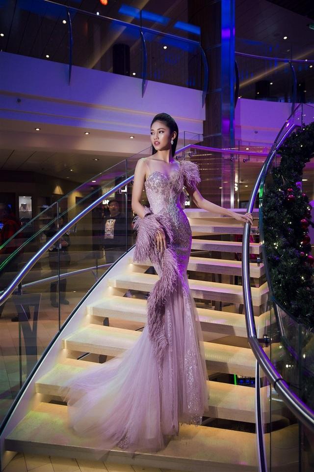 Hoa hậu Mỹ Linh, Á hậu Thanh Tú đọ dáng gợi cảm - 9