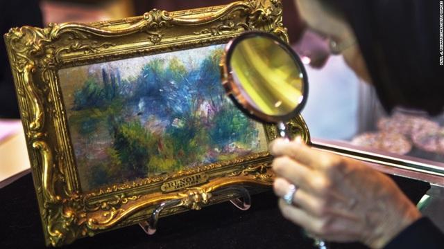 Bức tranh của danh họa người Pháp Renoir được thực hiện những năm đầu thế kỷ 19, đã bị đánh cắp hồi năm 1951. Bức tranh bất ngờ xuất hiện trở lại tại một khu chợ trời hồi năm 2010 và đã được trả lại cho viện bảo tàng - nơi bị mất cắp bức tranh. Bức tranh vốn được một người phụ nữ mua với giá chỉ 7 USD tại một khu chợ trời ở bang Virginia, Mỹ.