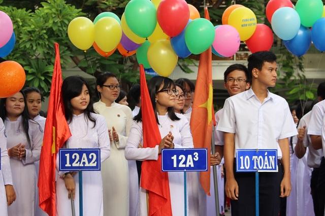 Học sinh THPT ở TP Nha Trang (Khánh Hòa) trong một lễ khai giảng năm học mới - (Ảnh: Viết Hảo)