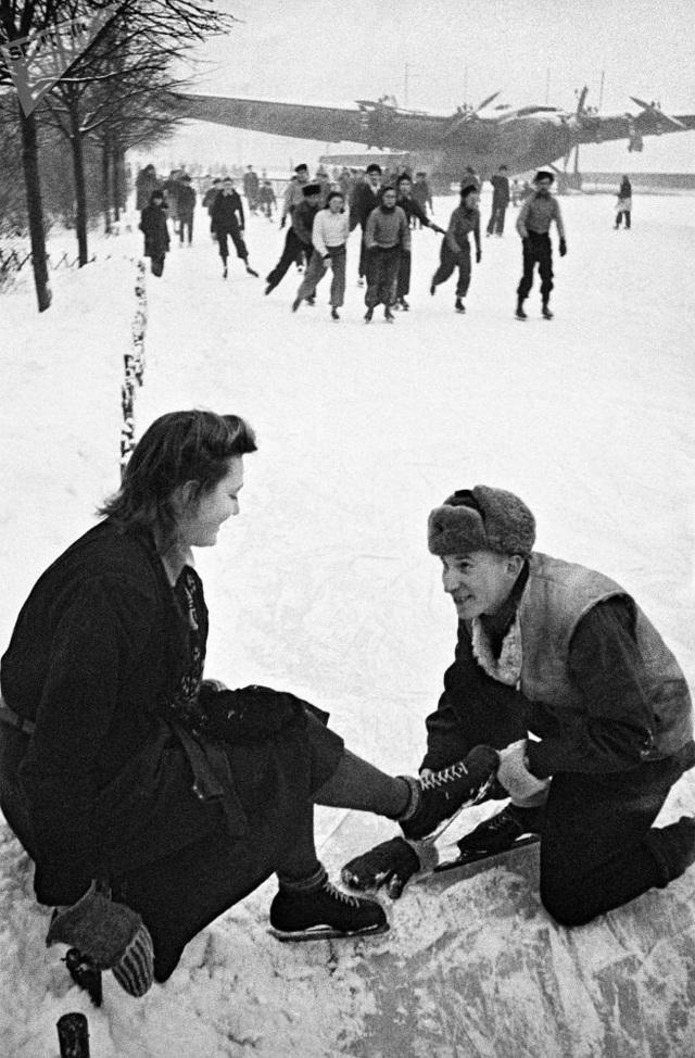 Trượt băng mùa đông ở Moscow năm 1939.