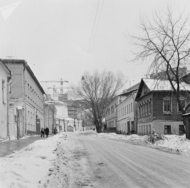 Một góc phố Arbat tại Moscow năm 1967 phủ đầy tuyết.